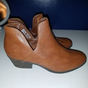 Shoes - Leather Ankle booties for fall